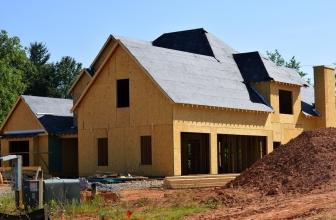 Comment Construire Soi-Même une Maison Auto-Suffisante ?